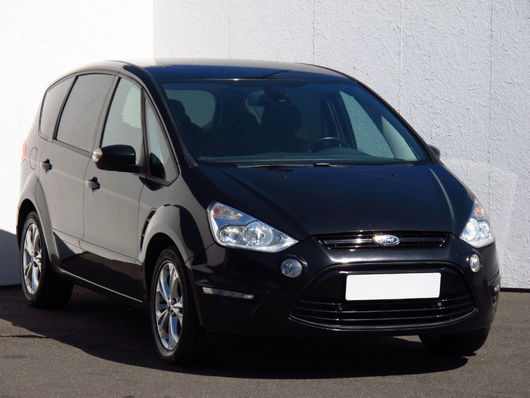Ford S-Max 2.0 TDCi 103 kW rok 2010