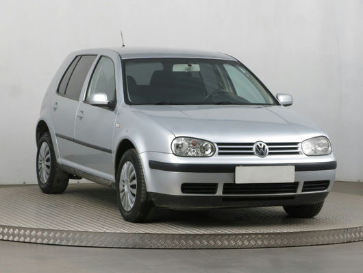 VW Golf 1.9 TDI 74 kW rok 2001