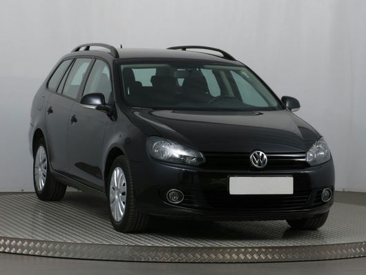 VW Golf 1.6 TDI 66 kW rok 2013